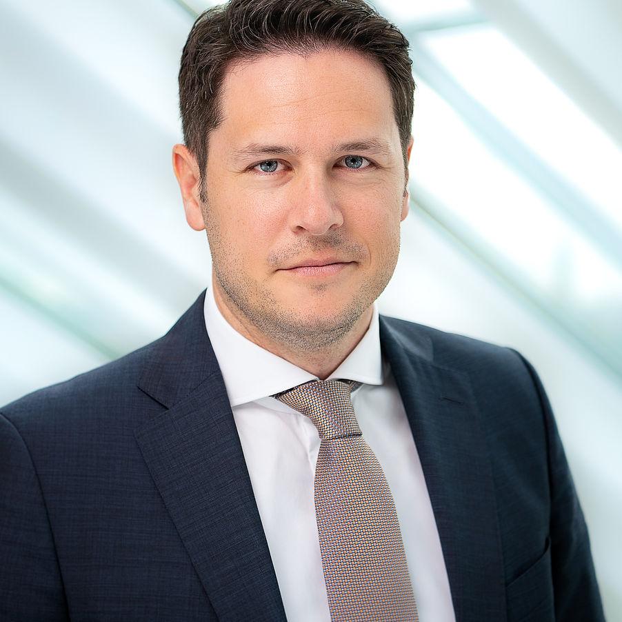 Dr. Gunnar Binnewies